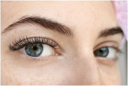 6 Mistakes which may Cause Your Lash Extensions to Fall Early