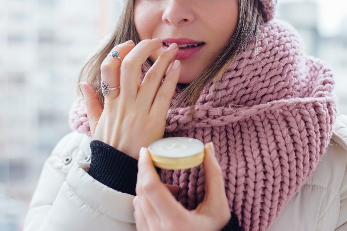 4 Benefits of Using Lip Balm Daily